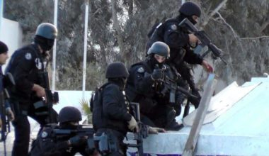 Militants, Tunisian Forces Clash in Border Town, 45 Killed