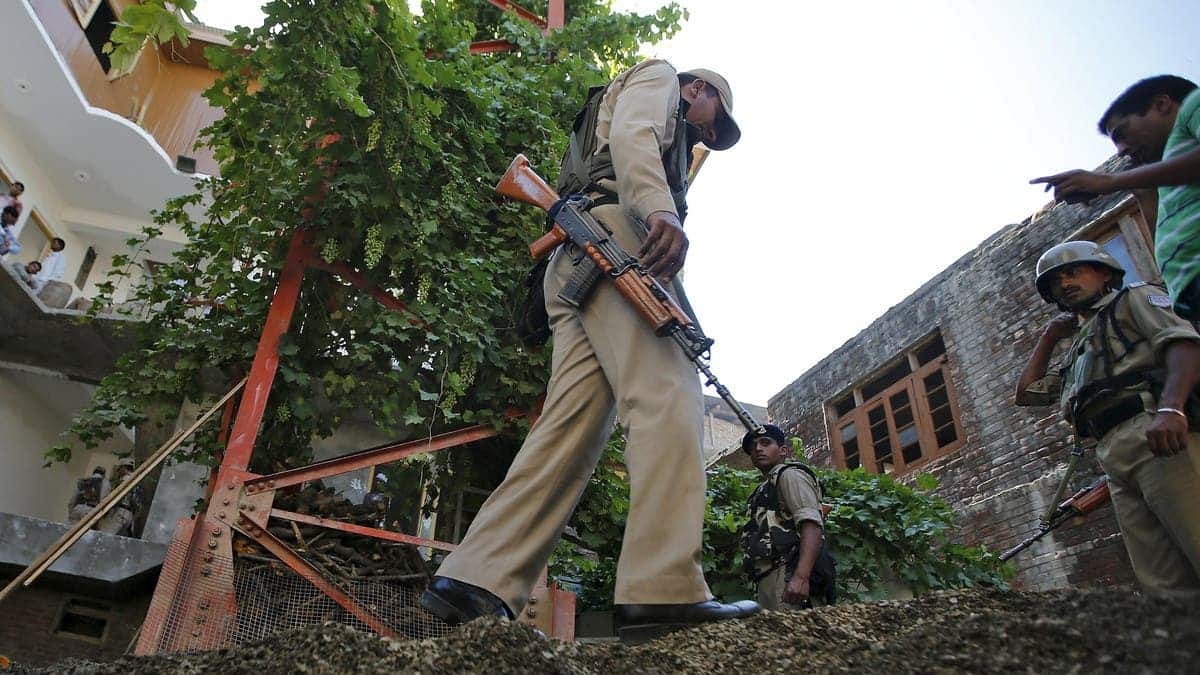 Kashmir Militants Wage Selfie War Against Indian Crackdown