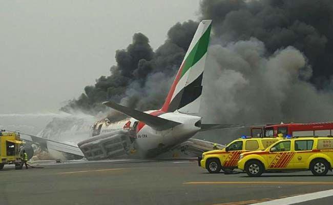 Passengers to Sue Boeing over Emirates Crash at Dubai Airport