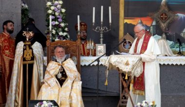 Pope Urges Armenia and Turkey to Reconcile Shun Vengeance