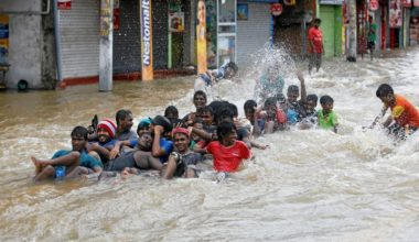 Sri Lankas Torrential Rains Drive More Than 130000 from Homes