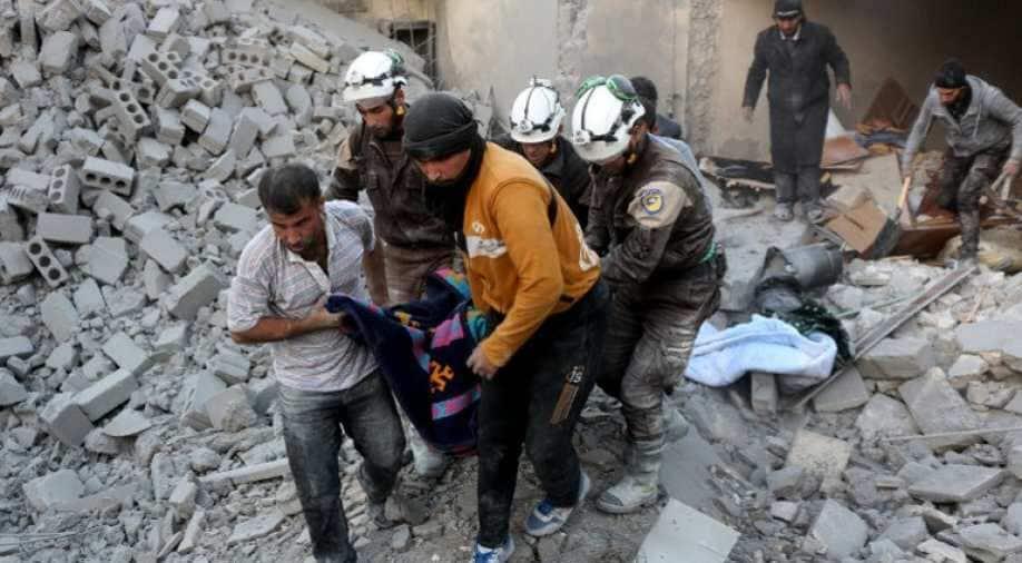 Aleppo Strikes Kills 141 in East, 16 in West